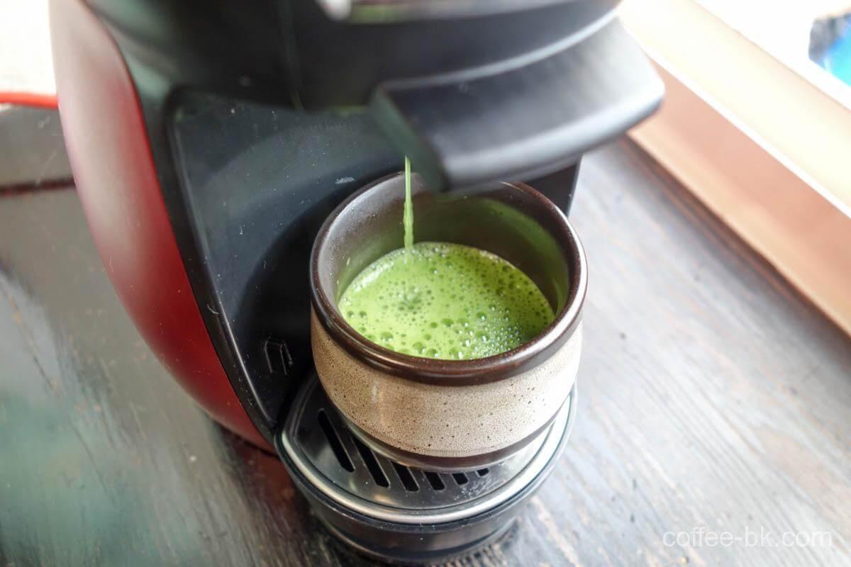 泡立った本格的な宇治抹茶