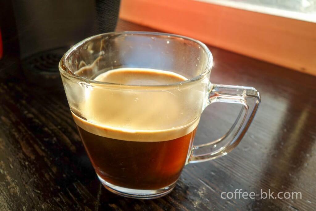 バリスタで作ったブラックコーヒーが完成!