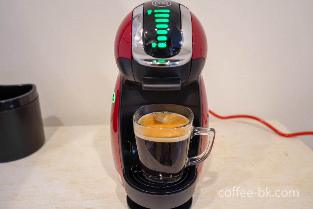 『ネスカフェ ドルチェグスト ジェニオ アイ』で作るコーヒーが完成